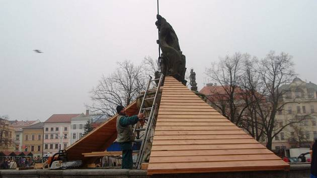 Zazimovávání kašny na jihlavském Masarykově náměstí
