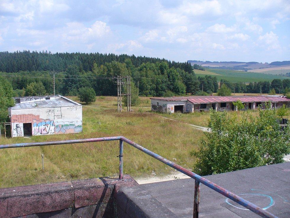 Bývalá vojenská střelnice mezi Vílancem a Popicemi.