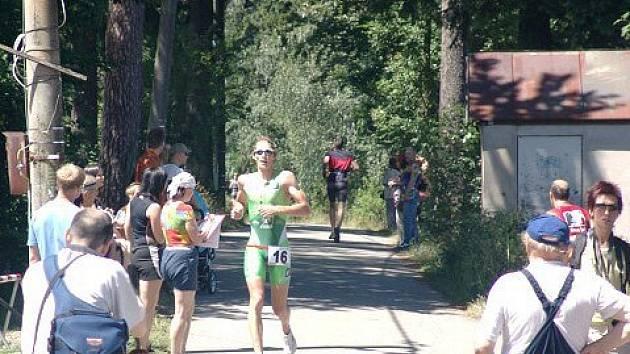 Vítěz! Letošní ročník Orka triatlonu zvládl nejlépe Ladislav Dvořák.