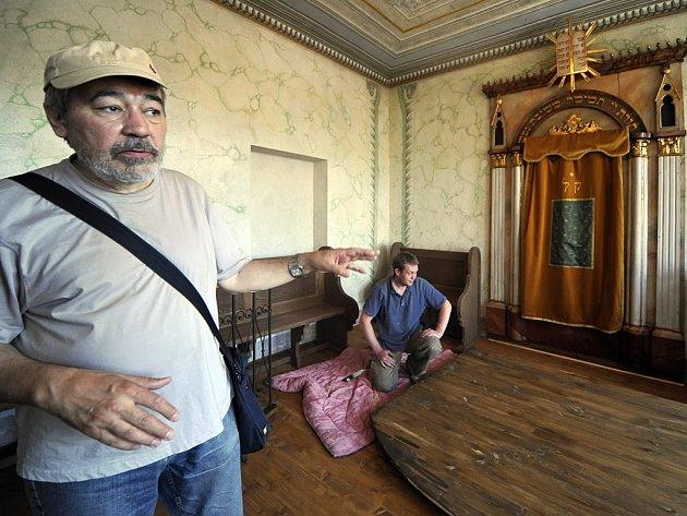 Oprava rabínského domu v polenském židovském ghettu. Ilustrační foto.