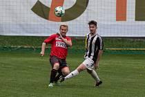 Fotbalové utkání krajského přeboru mezi TJ Sapeli Polná a FK Kovofiniš Ledeč nad Sázavou.