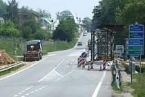 Kvůli výstavbě mostu na budoucím jižním obchvatu krajského města se uzavře část výpadovky na Pelhřimov za pekárnou Lapek.