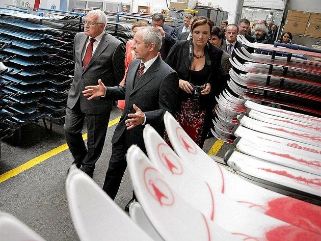 Továrna Sporten je pokračovatelem tradice výroby lyží v Česku. V roce 1996 vyrobila 310tisíc párů lyží a snowboardů. Firmu navštívil také prezident republiky Václav Klaus.