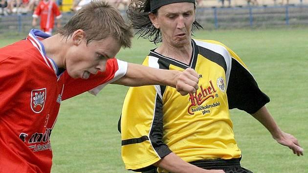 Futsalista pomohl k postupu. Do pohárového zápasu s Velkým Meziříčím zasáhl v dresu Havlíčkova Brodu i futsalový reprezentant Michal Mareš (v souboji se Zdeňkem Muchou).