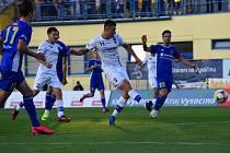Líšeňští fotbalisté na podzim remizovali v Jihlavě 1:1, jedinou jejich branku vstřelil útočník Marek Szotkowsi (v bílém s číslem 11).