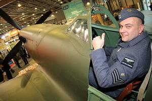 Unikátní model letounu Spitfire v měřítku 1:1, který bude lákadlem výstavy v Jihlavě, si prohlédli už návštěvníci letošního brněnského veletrhu Regiontour.