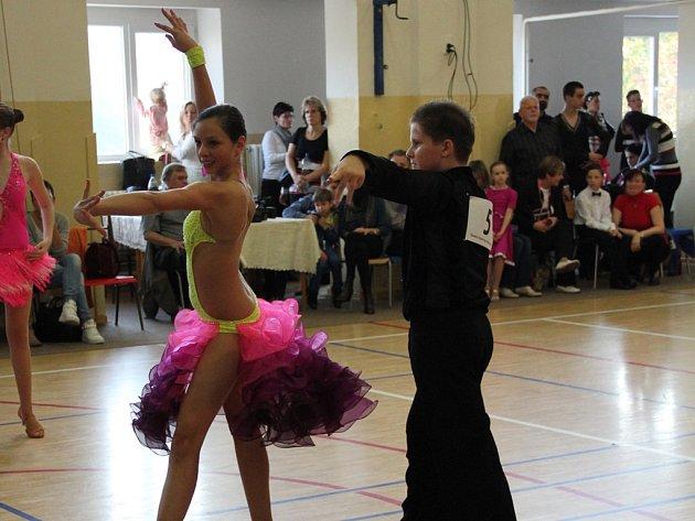 Taneční pár z klubu TJ Sokol Bedřichov TK Chrisstar Jihlava Vojtěch Novotný a Denisa Bláhová skvěle zahájil soutěžní taneční sezonu.
