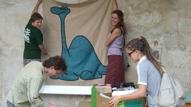 Na festival přijelo také Hnutí Brontosaurus s ekologickými aktivitami.