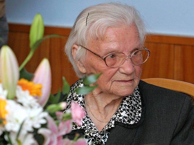 Rovných sto let oslavila Marie Pádivá z Třeště.