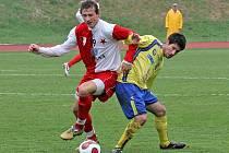 Fotbalisté juniorky FC Vysočina (vpravo Ivan Čermák) se nemuseli ve svém třetím ročníku v MSFL strachovat o záchranu soutěže. Osm kol před koncem si totiž vypracovali potřebný bodový fond, který  jim dal už nečekaně brzy jistotu setrvání.