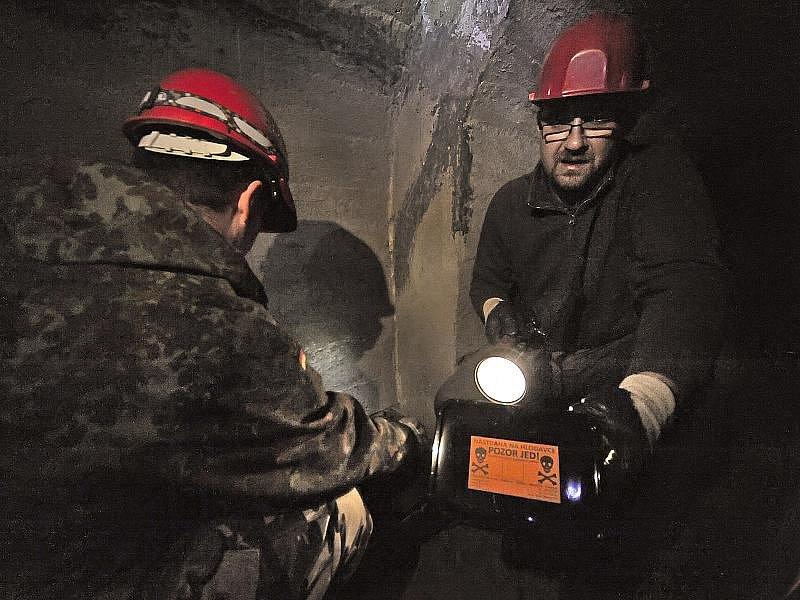 Včera v jihlavském podzemí deratizátoři pokládaly poslední nástrahy. Jarní deratizace skončila.
