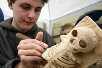 Během svátečních dní proběhne v Třešti již sedmé setkání řezbářů, kteří opět rozšíří společný betlém o nové figurky.