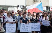 Demonstrace proti Andreji Babišovi na Masarykově  náměstí v Jihlavě.