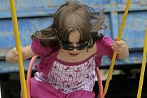 Děti si na poutích užijí spoustu legrace. Ilustrační foto.