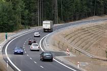 Nově otevřený úsek silnice z Jihlavy do Příseky (směr Třebíč).