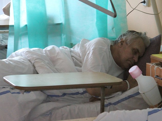 František Fiala (na snímku) je po náročné operaci. Od 30. října je hospitalizován na Oddělení dlouhodobě nemocných v Nemocnici Jihlava.