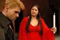 V nové premiéře Horáckého divadla Jihlava zazáří Lucie Štorková jako královna Semiramis a František Mitáš coby vojevůdce Menon.