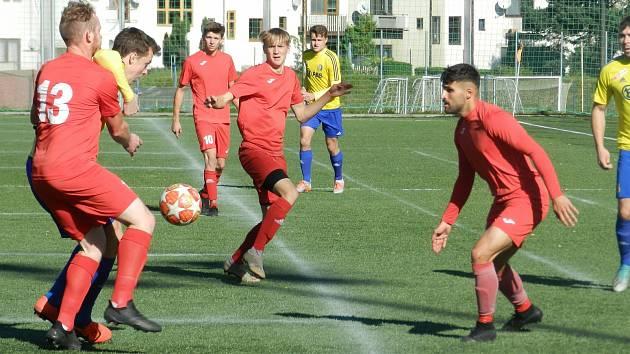 Derby mezi Starou Říší a Velkou Bíteší se hrálo na jihlavské umělé trávě. Z výhry 2:0 se radovali hosté.