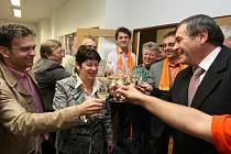 V sídle ČSSD se slavilo.