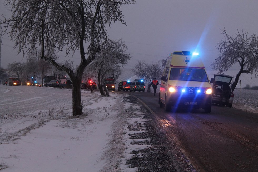 Nehoda autobusu u Puklic na Jihlavsku.