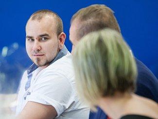 Radka Špringerová, Víť Kaňkovský a manželé Řehákovi získali ocenění Gentleman silnic, za záchranu života zraněnému motorkáři, který při nehodě přišel o nohu.