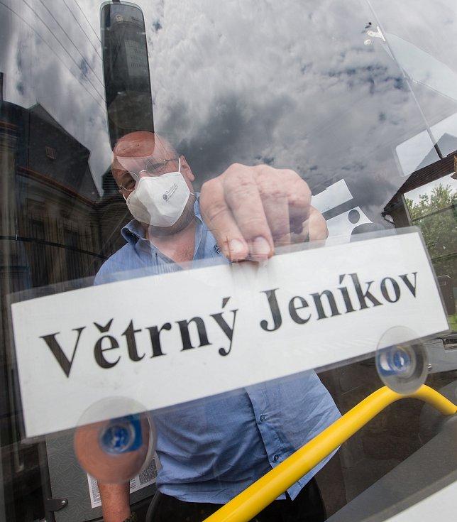 Autobusová doprava do Větrného Jeníkova dne 9. července 2020.