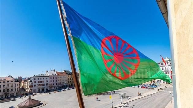Jihlava v neděli 2. srpna vyvěsí romskou vlajku