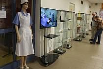 Půl roku se mohou pacienti a návštěvníci jihlavské nemocnice kochat pohledem na staré lékařské nástroje.