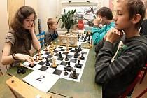 V Jihlavě se v sobotu sešla stovka mladých šachistů.