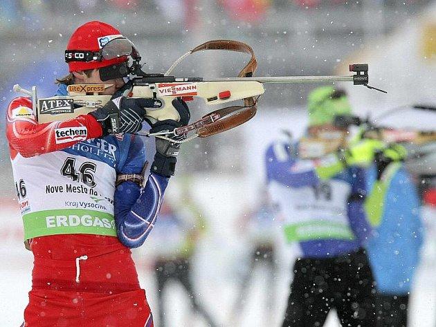 Biatlonista Jaroslav Soukup bodoval ve všech závodech Světového poháru, které se odjely v uplynulém týdnu v Novém Městě na Moravě. Při této střelbě vestoje však při sprintu čtyřikrát minul a přišel o famózní umístění mezi elitou.