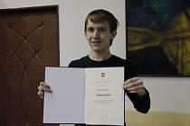Budoucí fyzik? Martinu Schmiedovi to opravdu pálí, na olympiádě v matematice a fyzice soutěží i s konkurenty z vyšších ročníků. Za své schopnosti dostal i ocenění od ministryně školství.