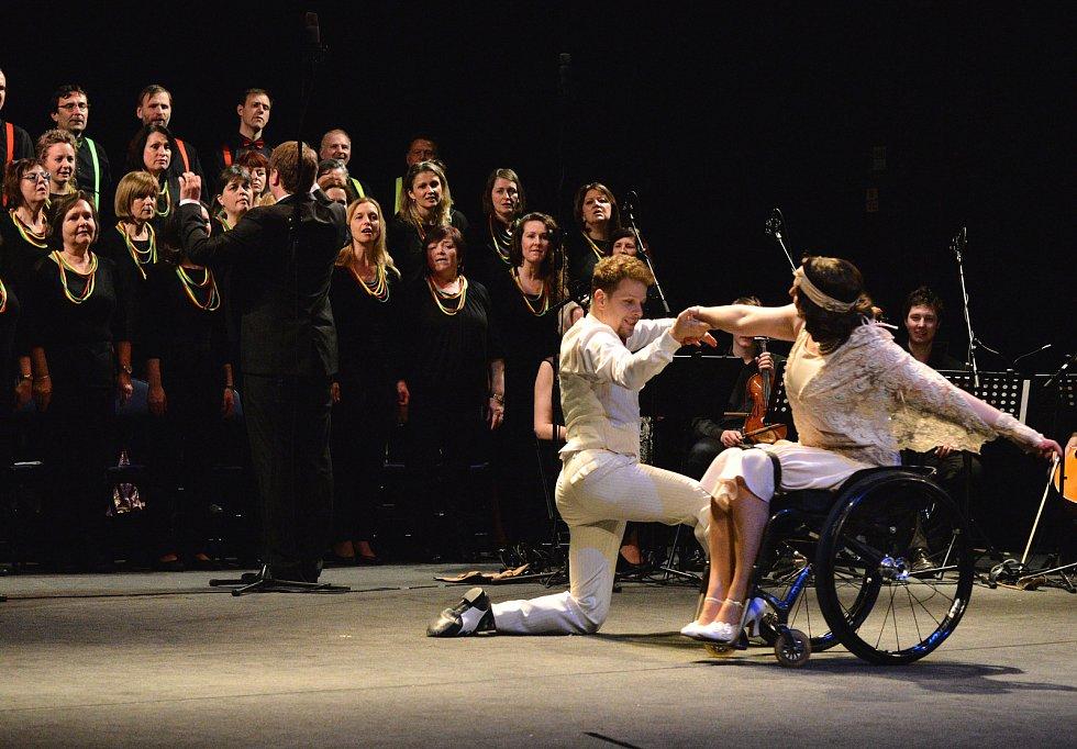 Hvězdy tančí s Melodií v Horáckém divadle Jihlava.