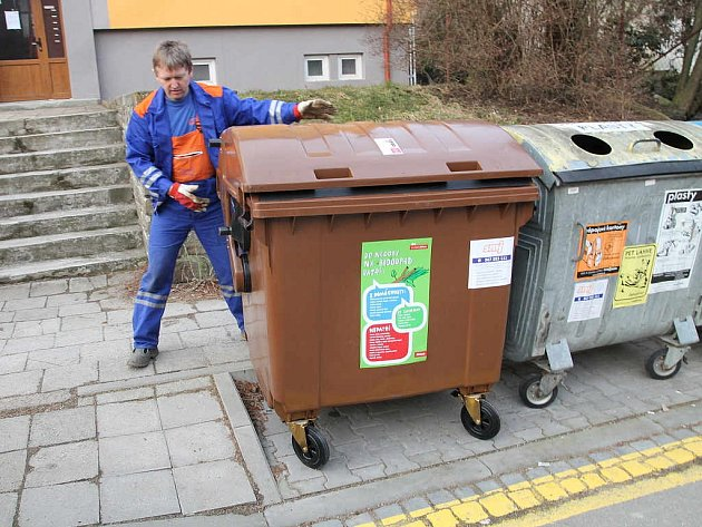V sobotu se v jihlavské lokalitě Na Slunci objevily nové kontejnery.