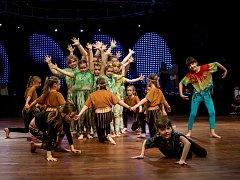"""Rainforest. Choreografie Veroniky Peroutkové a taneční představení Dětí A v """"deštném pralese"""" porotu nadchly."""