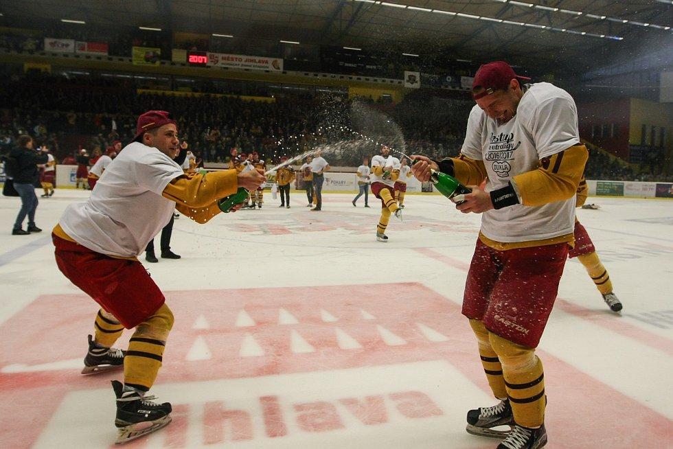 Utkání 11. kola baráže o hokejovou extraligu mezi HC Dukla Jihlava a HC Energie Karlovy Vary, 20. dubna v Jihlavě.