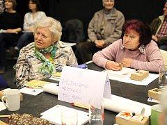 Lidé se sešli ve středu 4. dubna v jihlavském divadle DIOD.