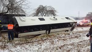Nehoda autobusu u Puklic na Jihlavsku