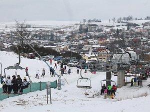 Víkend si lyžaři užili. I v Lukách nad Jihlavou