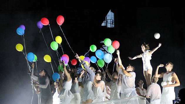 Letní festival Prázdniny v Telči zahájí Cirk La Putyka.