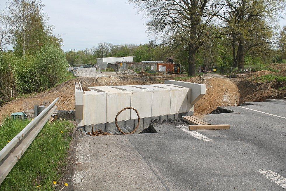Stavba cyklostezky z třešťské místní části Salavice do Hodic odstartovala stavbou podjezdu.