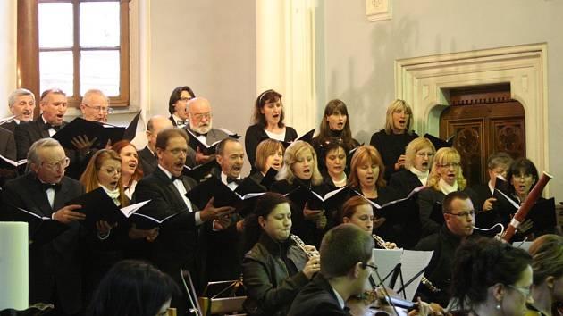 V jihlavském kostele sv. Ignáce v sobotu večer zazpívají sbory z kraje. Ilustrační foto.