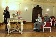 Ludvík a Vlasta Hyclovi v sobotu na jihlavské radnici oslavili platinovou svatbu.