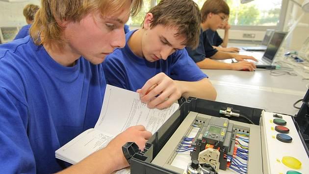 Studenti technických škol. Ilustrační foto.