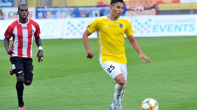 Svoji premiéru v základní sestavě FC Vysočina Jihlava si odbyl osmnáctiletý Fares Shudeiwa proti Viktorii Žižkov.