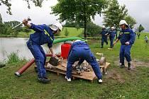 Soutěž dobrovolných hasičů v Kalhově.