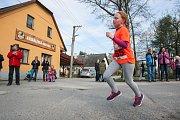 Závod Okolo Trpaslíka v Hybrálci přilákal i početnou skupinu běžců v mládežnických kategoriích.