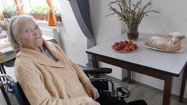 Senioři v telčském Senior Home oslavovali.