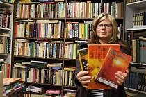 """Majitelka jihlavského antikvariátu Krmítko pro duši Lenka Cyprisová říká: """"Rozhodně doporučuji všem, aby si šli za svým cílem. Já třeba už tři roky nechodím do práce."""""""