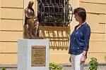 Socha Boženy Němcové na zámku v Polné.