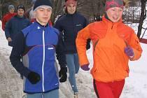 Na Vysočině trénovala novoměstská atletka Lucie Sárová (vpravo) na sněhu, na mistrovství Evropy ve Španělsku si však musela poradit s rozměklým travnatým povrchem.